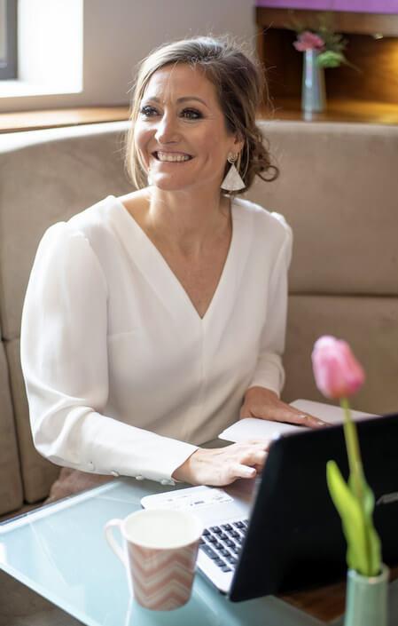 Lisa Burton Head Wedding Abroad Planner
