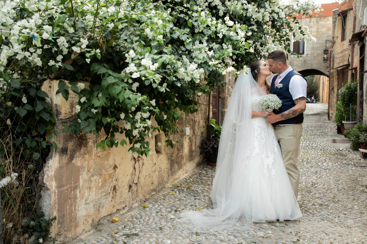 Intimate weddings abroad blog -the bridal consultant